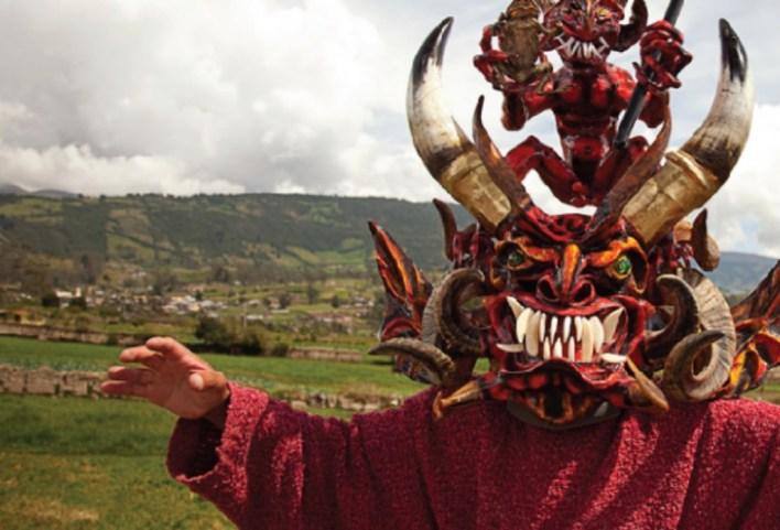 Los mejores carnavales del mundo - mejorescarnavales_hotbook_07-1024x696