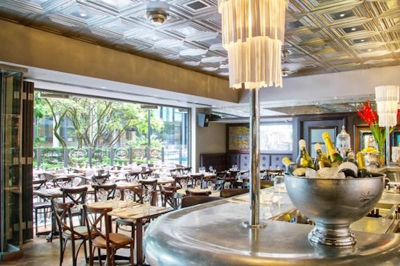 Los mejores restaurantes para comer en Londres esta temporada - restauranteslondres_hotbook_01-1024x682