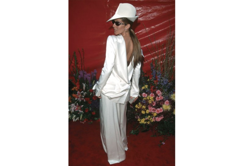 http://www.popsugar.co.uk/fashion/photo-gallery/36909519/image/36909454/Celine-Dion-1999-Academy-Awards