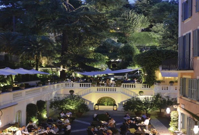 Roma y el Hotel de Russie: un dúo romántico ideal - hotelderussie_hotbook_portada1-1024x696