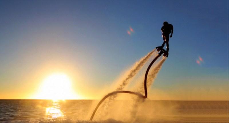 Cómo mantenerte fit aún estando de vacaciones - foto-flyboard-3-1024x550