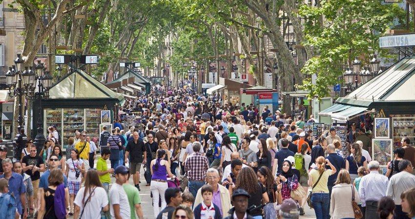 News Recap by Te Lo Kwento 18 de agosto - las-ramblas-barcelona-turismo-masivo-45109