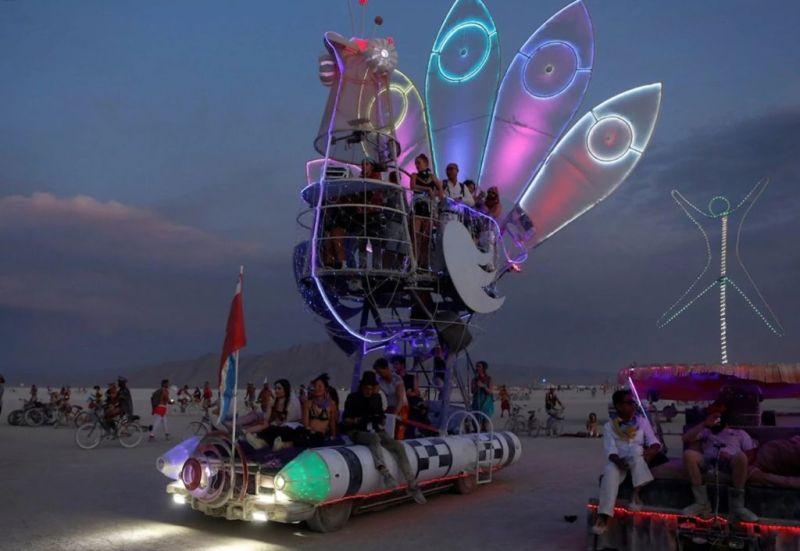 El arte, la libertad y el sentido de comunidad representan los principales valores del Burning Man Festival - burning-man-3