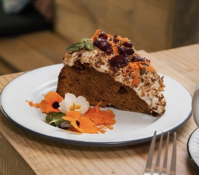 Los mejores lugares para comer pastel de zanahoria en la CDMX - 4.-La-Otilia