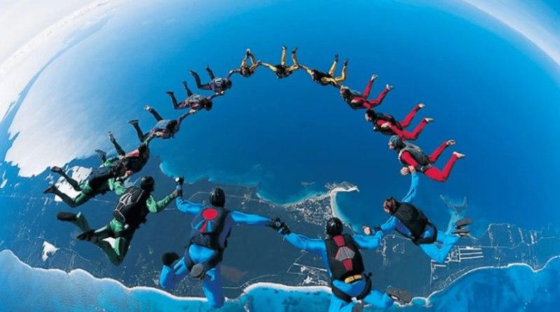 Las 10 actividades más extremas que puedes realizar en México - Actividades-extremas-paracaidismo