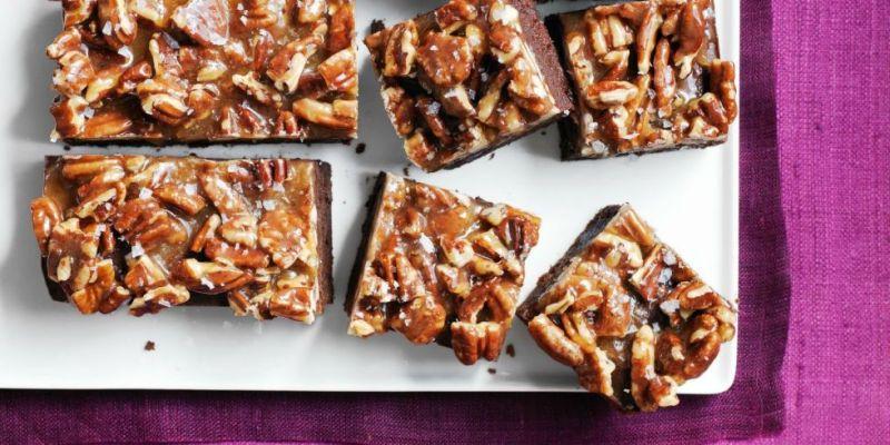 Los mejores postres para Thanksgiving - Postres-Thanksgiving-Caramel-Pecan-Brownies