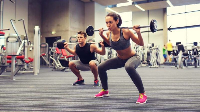 Tips para estar en forma durante la época navideña - 7.-Sigue-entrenando-Mantenerte-en-forma-navidad