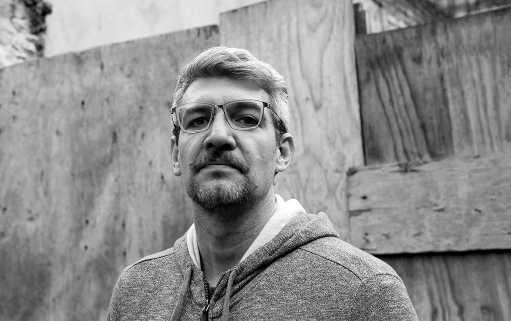 Emiliano Monge y la narrativa literaria sobre la violencia en México - Emiliano Monge