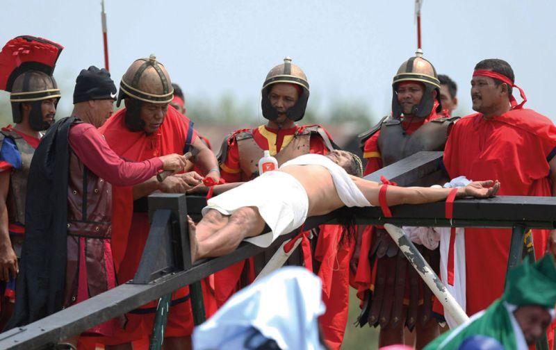 Rituales Religiosos, quien pierde su fe no puede perder nada más. - Rituales-religiosos-crucificados-filipinos