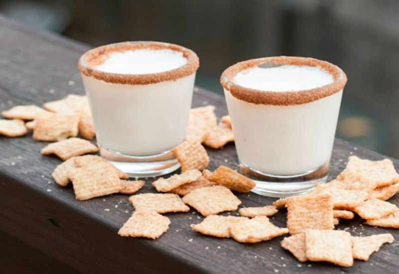 Los mejores cocteles para servir durante tus fiestas navideñas - cinammon-tast-crunch