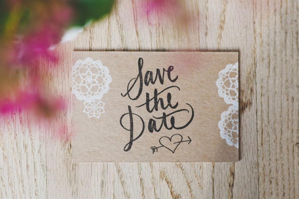 10 tips para planear tu boda - 5. Save the date portada