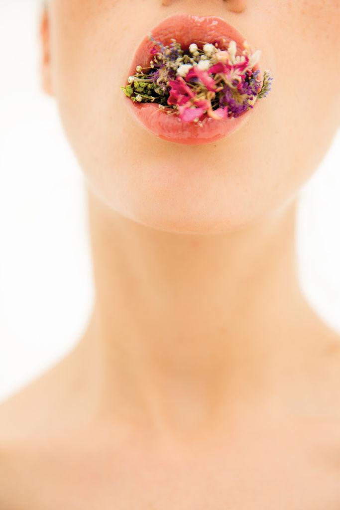 HOTbeauty: Sorrow - fashion_woman_shoot_flowers