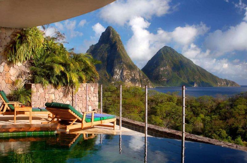Los hoteles del mundo que deben encabezar tu bucket list - Jade-Mountain-Hotel-3