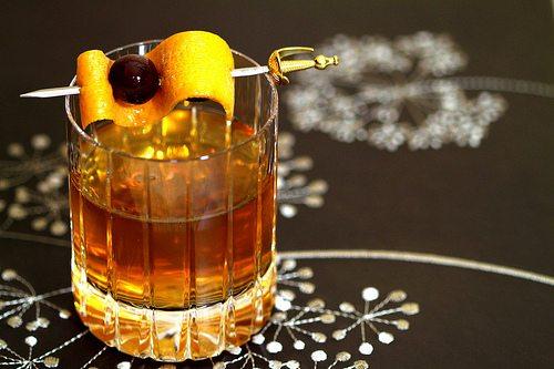 5 cocteles para celebrar el Día del Tequila - coctel_dorado.png