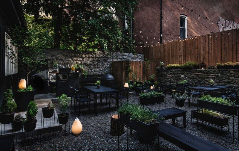 Aska; Suecia y Nueva York en reunión - garden