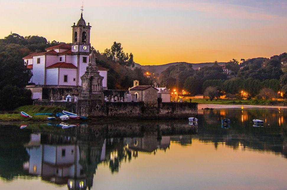 La otra costa, el gusto de pecar en el oriente asturiano. - reflection