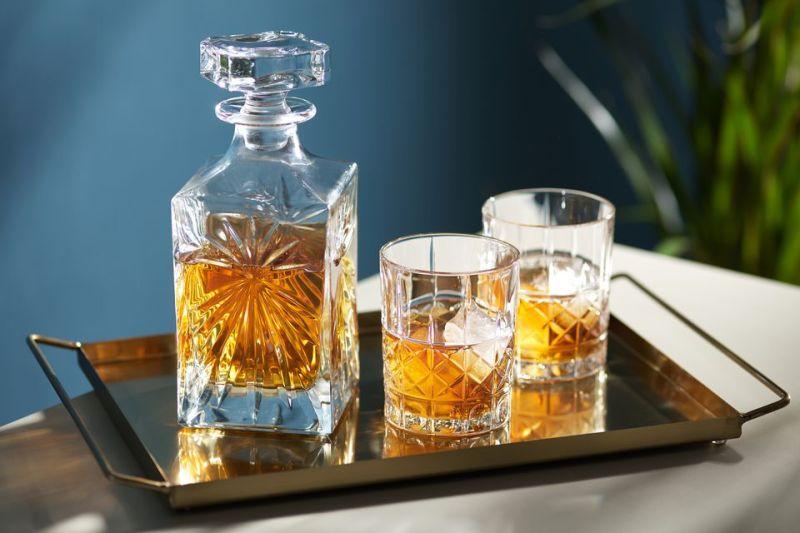 Todo lo que debes saber sobre el whisky para convertirte en un experto - whisky-1