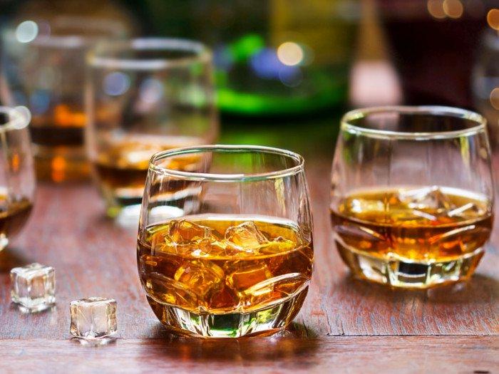 Todo lo que debes saber sobre el whisky para convertirte en un experto - Whisky Portada
