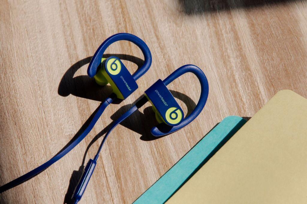 Smart traveling: gadgets que necesitas para tu próximo viaje - Beats 4 travel essential
