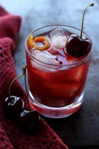 Los mejores cocteles para disfrutar este verano - black-forest-drinks-de-verano