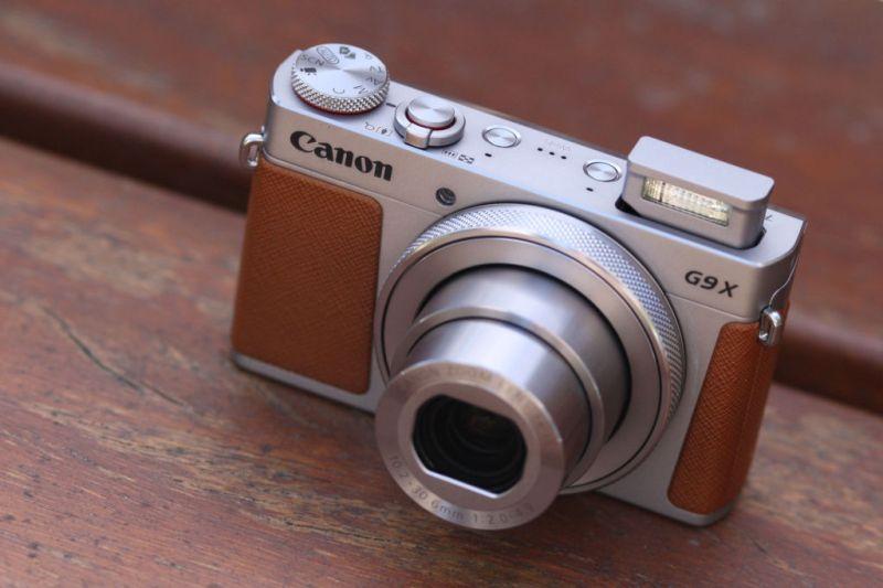 Smart traveling: gadgets que necesitas para tu próximo viaje - canon-g9-3-travel-essentials