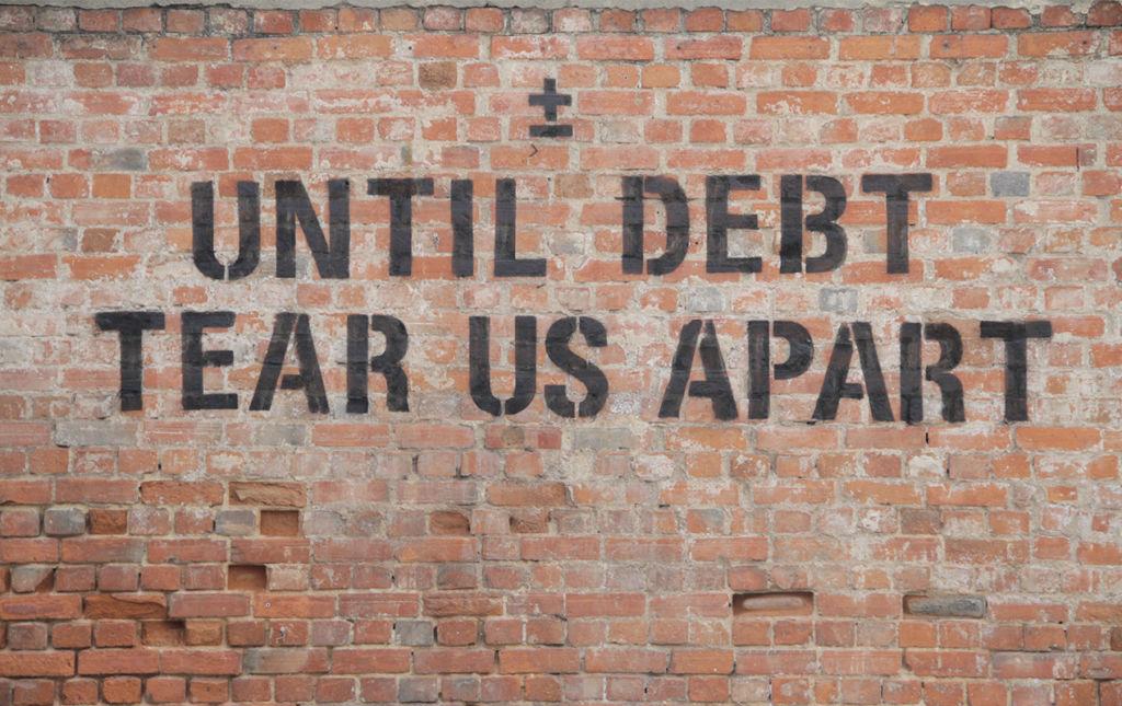 ¡Vota maismenos! - until debt tear us apart