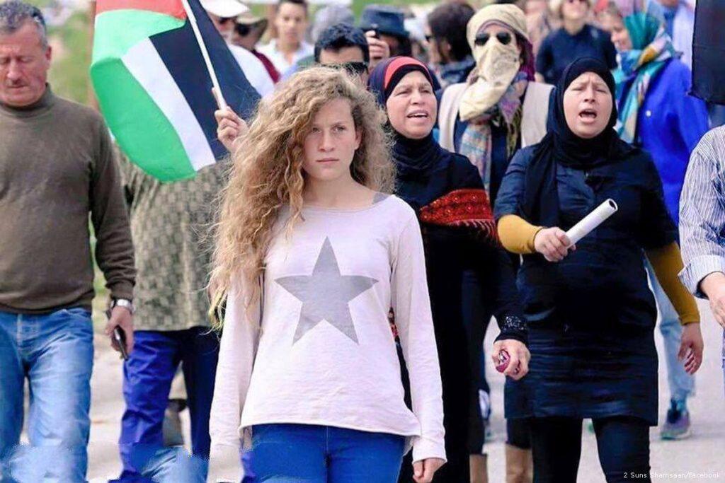 Ahed Tamimi, la niña palestina que le dio una cachetada a un soldado israelí - Ahed Tamimi abofetea a un soldado israelí