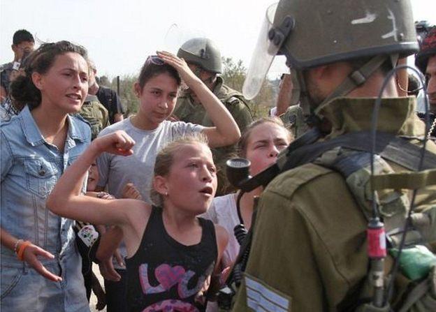 Ahed Tamimi, la niña palestina que le dio una cachetada a un soldado israelí - ahed-tamimi-heroina-palestina