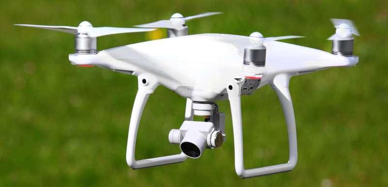 Volar drones sin licencia te podría costar 400 000 pesos - drones-1