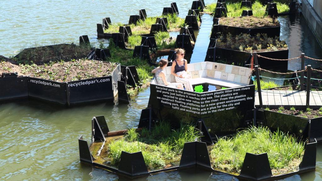 Rotterdam's Floating Park, el primer parque hecho de plástico reciclado - Rotterdam Floating Park Portada