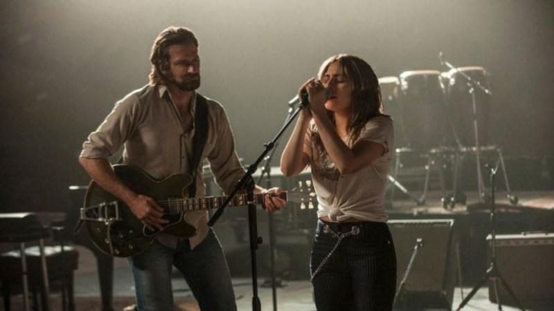 Datos que probablemente no sabías de la película A Star Is Born - a-star-is-born-bradley-cooper-tocando-y-lady-gaga-cantando