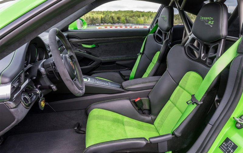 El Porsche 911 GT3 RS, una referencia para los automóviles deportivos - auto-deportivo-porsche-verde-neon-interiores