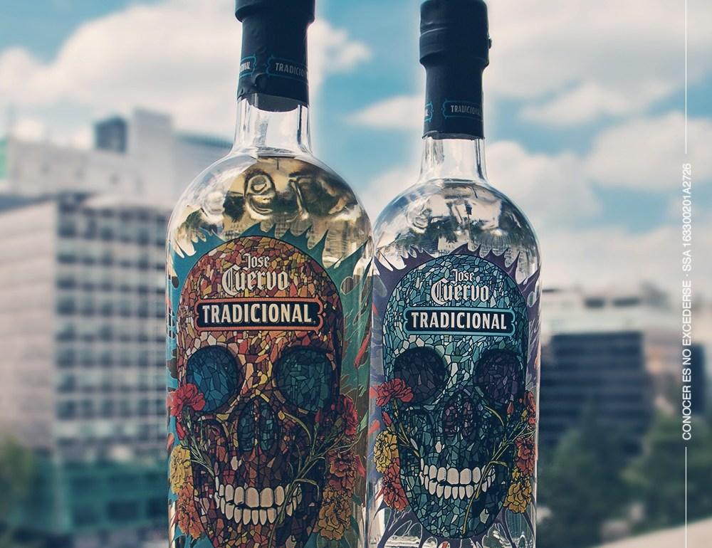 Calavera, la edición limitada de Tequila Cuervo Tradicional - Botellas Tequila Cuervo Tradicional PORTADA
