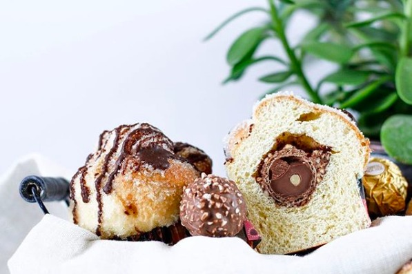Nuevas versiones de pan de muerto para probar esta temporada - cupcake-de-pan-de-muerto-naturally-_-natural