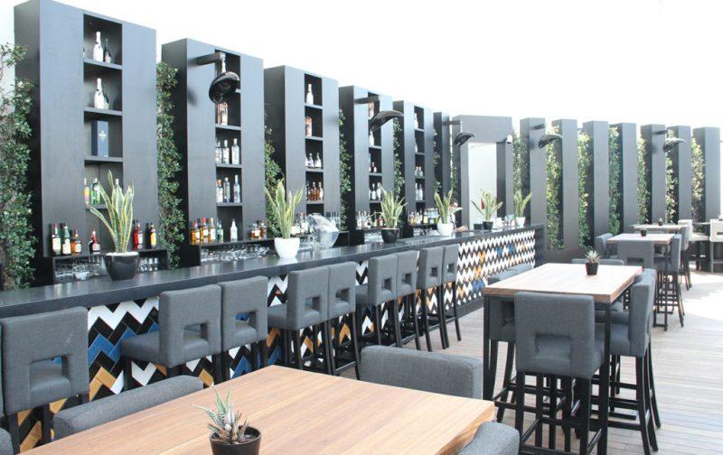 Beirut, el nuevo corazón del Mediterráneo - four-seasons-hotel-beirut-restaurante-bar