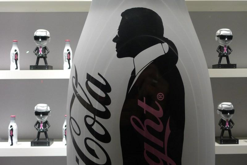 10 datos que no sabías sobre Karl Lagerfeld - karllagerfeld_cocacola