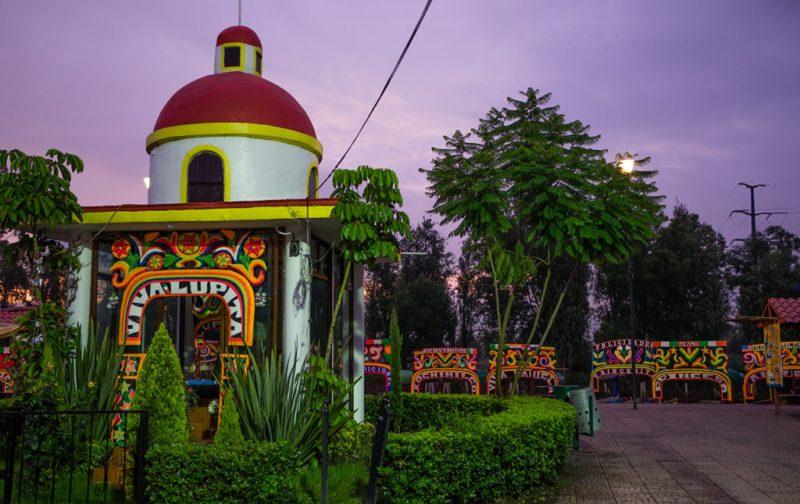 Una receta con ingredientes de Xochimilco - xochimilco-mexico-colores-trajineras-tradicion-cultura-cielo-amanecer