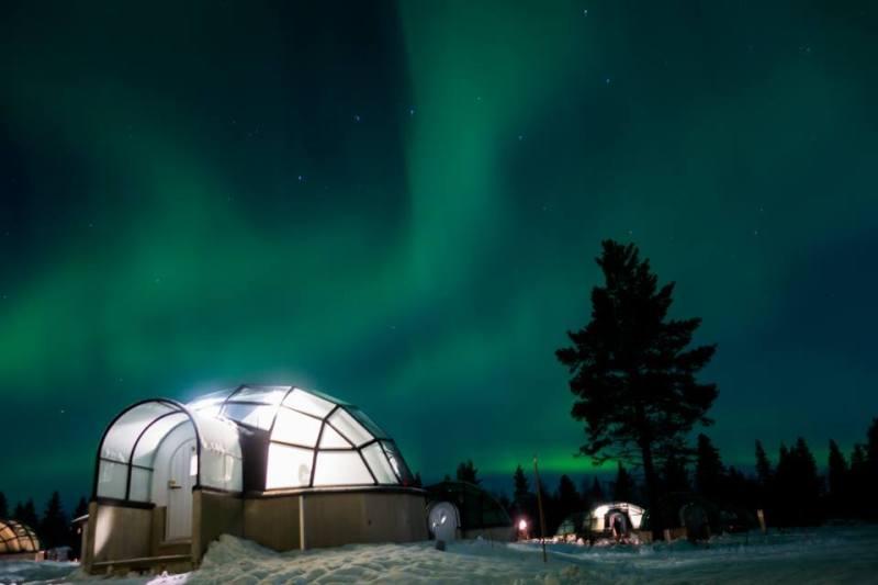 Bubble hotels que tienes que conocer - kakslauttanen-arctic-resort-finlandia