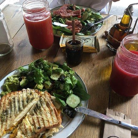 Dónde comer los mejores grilled cheese sandwiches en la CDMX - hotbook_grilledcheese_ojodeagua