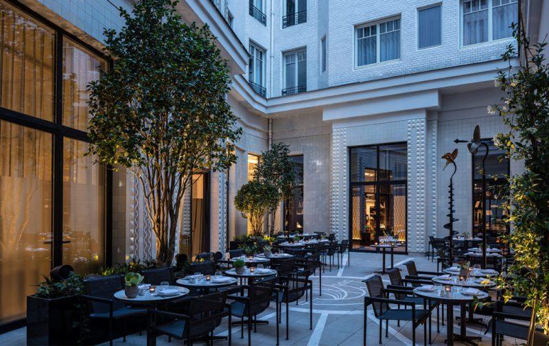 Lutetia, el mítico hotel de París - hotel-lutetia-patio