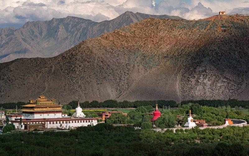 Thomas Laird y los murales del Tíbet - paisaje-murales-del-tibet