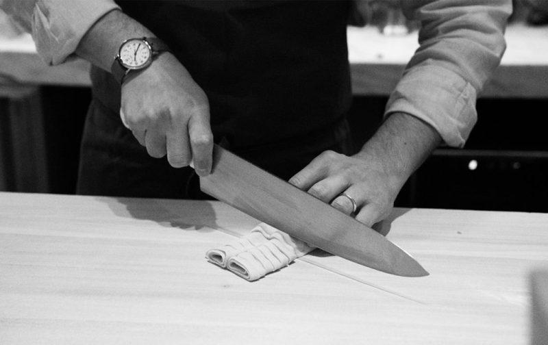 Marco Carboni y su Sartoria - pasta-corte-cuchillo-cocina-restaurante