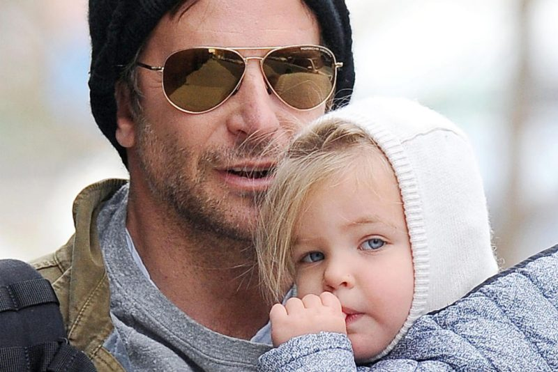 Datos curiosos sobre Bradley Cooper - 9-bradley-cooper-hija-htobook