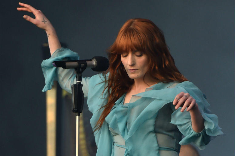 8 datos que probablemente no sabías sobre Florence and the Machine - hotbook-8-datos-que-probablemente-no-sabias-sobre-florence-and-the-machine-01