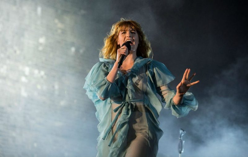 8 datos que probablemente no sabías sobre Florence and the Machine - hotbook-8-datos-que-probablemente-no-sabias-sobre-florence-and-the-machine-1