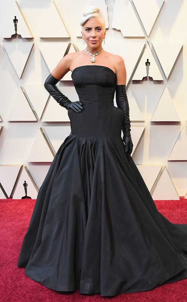 Los mejores red carpet looks de los Premios Óscar 2019 - hotbook_looksoscares_ladygaga