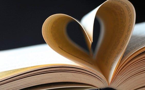 9 poemas de amor que tienes que leer por lo menos una vez en la vida - HOTBOOK_PoemasAmor_PORTADA