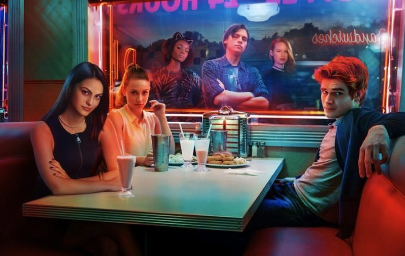 Datos que probablemente no conocías sobre la serie Riverdale - fun-facts-riverdale-1
