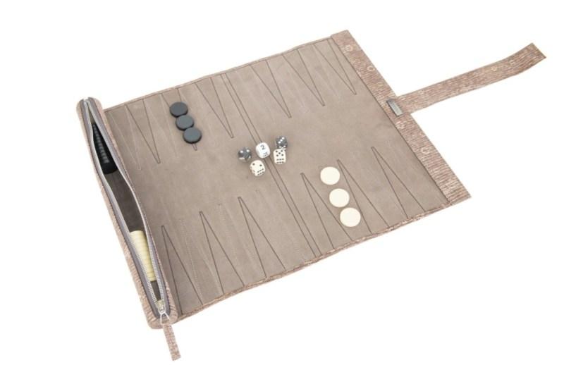 Todo lo que necesitas empacar para Semana Santa - 5-backgammon-hotbook