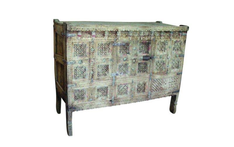 Home wishlist: nuestros accesorios favoritos para el hogar - alabaster-trader-old-damchiya-cabinet